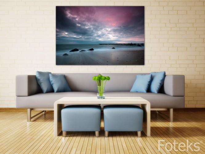 Plaża z fioletowym niebem